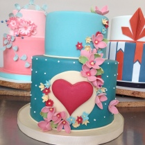 My classmate, Ana's, stunning cake.